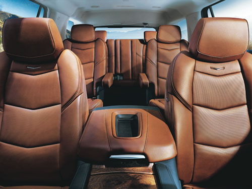 Magazine prestige essai routier du cadillac escalade esv for Escalade interieur