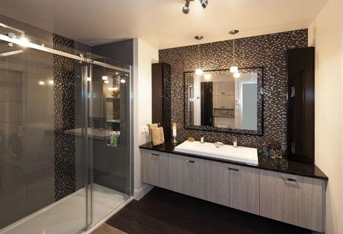 Magazine prestige condominiums le kent boischatel for Peinturer un comptoir de salle de bain